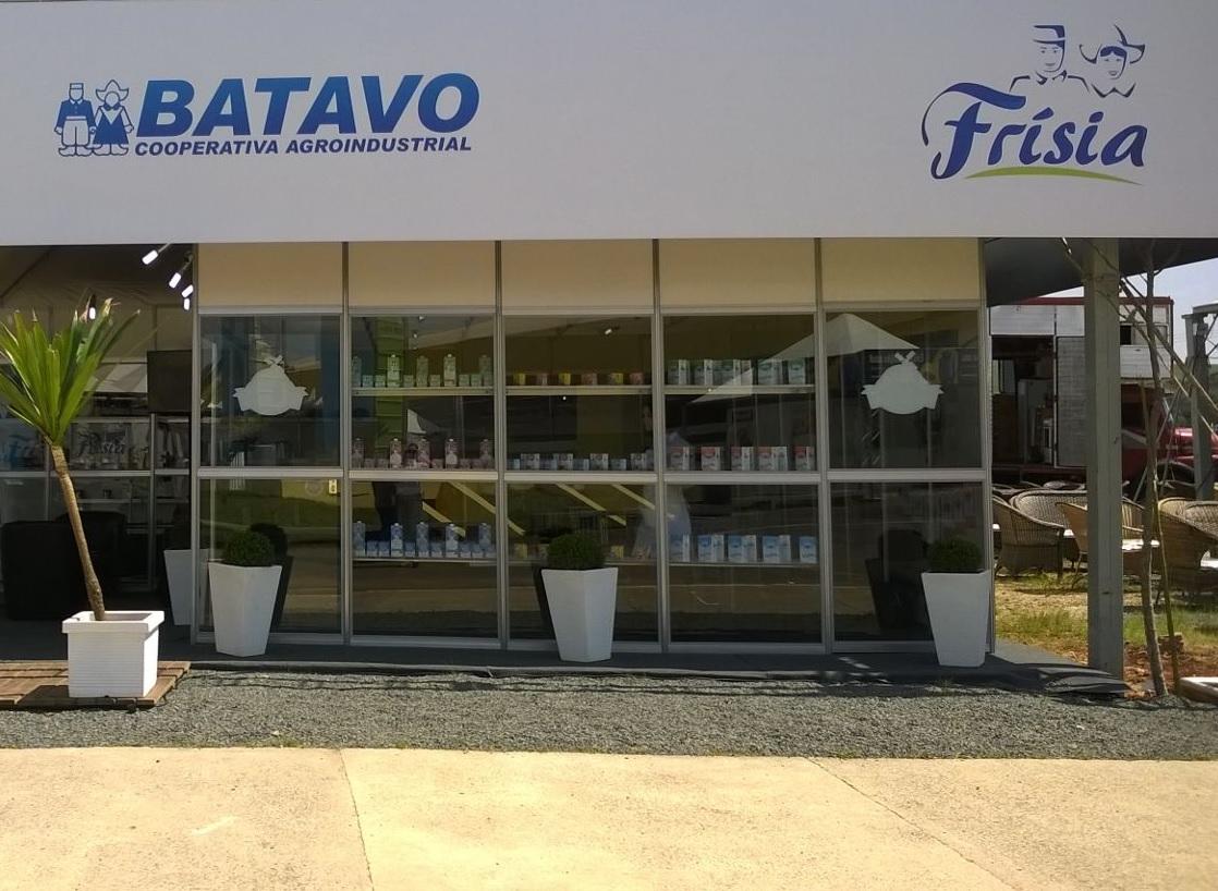 Frísia(Batavo) divulga vagas para Ponta Grossa e Carambeí